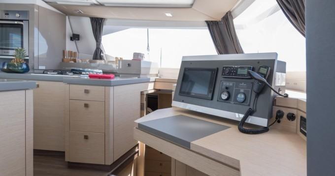 Location Catamaran à Le Marin - Fountaine Pajot Saona 47