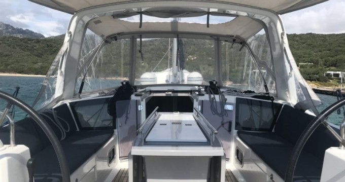 Location bateau Marina di Portorosa pas cher Oceanis 41.1