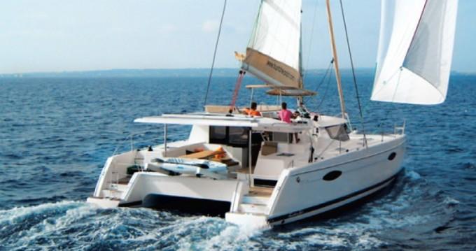Location bateau Helia 44 à Le Marin sur Samboat