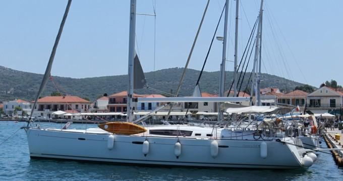 Bénéteau Oceanis 54 entre particuliers et professionnel à Athènes