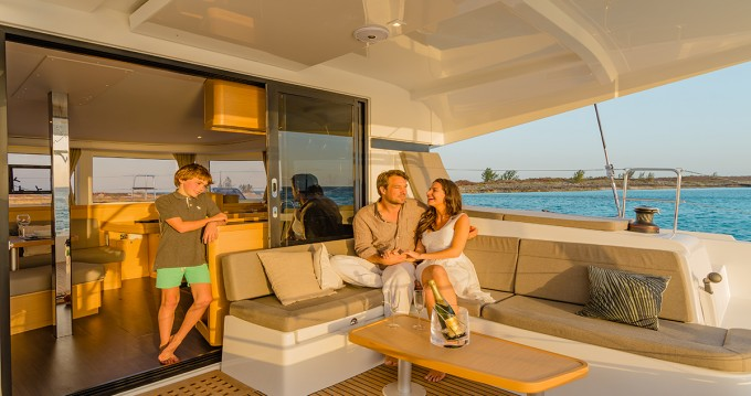 Catamaran à louer à Trogir au meilleur prix