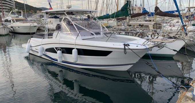 Location bateau Jeanneau Cap Camarat 9.0 WA à Bastia sur Samboat