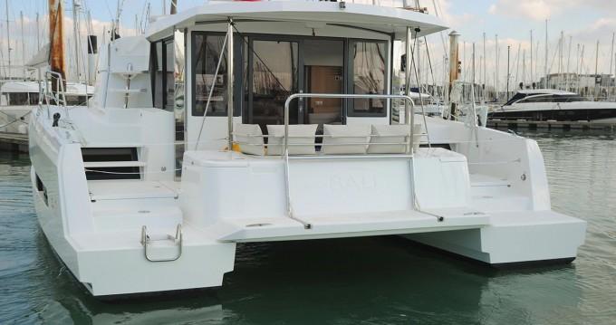 Location bateau Catana Bali 4.1 - 4 + 2 cab. à Rogoznica sur Samboat