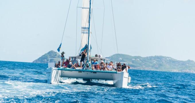 Location bateau Rodney Bay pas cher 52ft Power, Sailing Catamaran