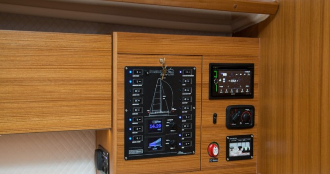 Location bateau Węgorzewo pas cher Maxus 33.1 RS Prestige +
