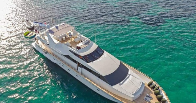 Location Yacht Falcon avec permis