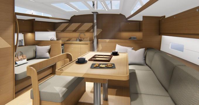 Location bateau Sibenik pas cher Dufour 430 GL