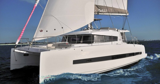 Bali Catamarans Bali 4.1 entre particuliers et professionnel à Capo d'Orlando