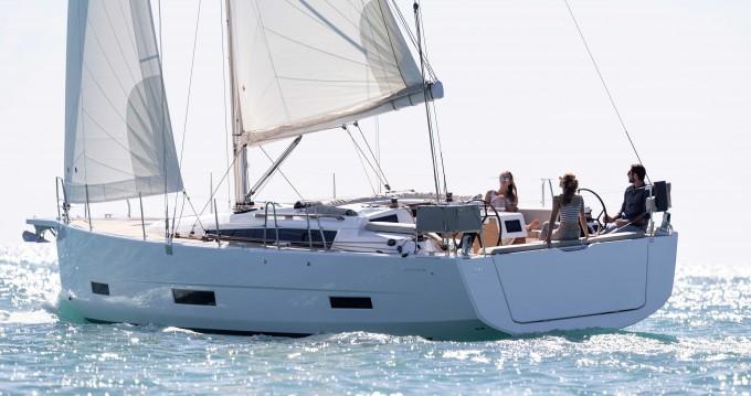 Location bateau Port de Lefkada pas cher Dufour 390 Grand Large