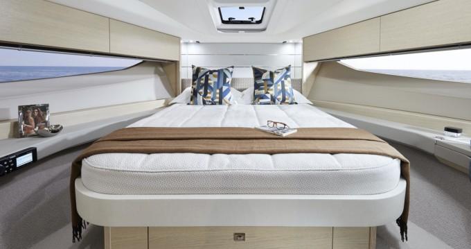 Location bateau Princess princess 40 à Saint-Tropez sur Samboat