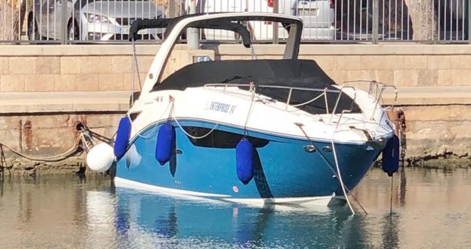 Louer Bateau à moteur avec ou sans skipper Sea Ray à Empuriabrava