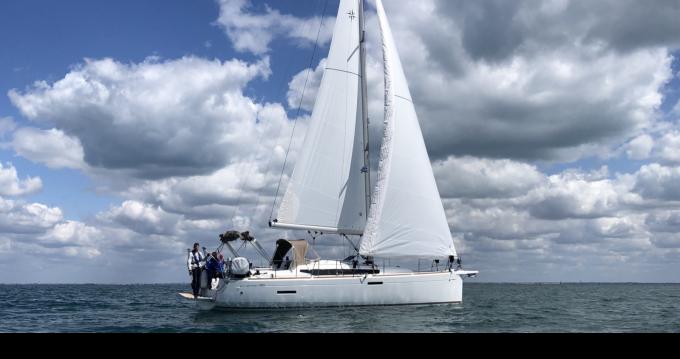 Location bateau La Rochelle pas cher Sun Odyssey 389