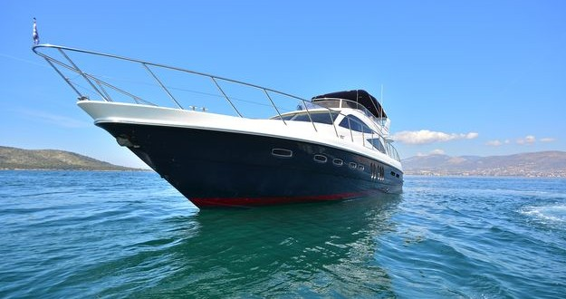 Louer Yacht avec ou sans skipper Sealine à Athènes