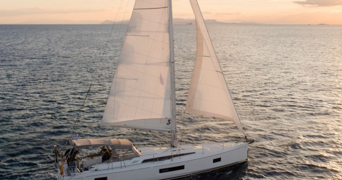 Bénéteau Oceanis 51.1 entre particuliers et professionnel à Álimos