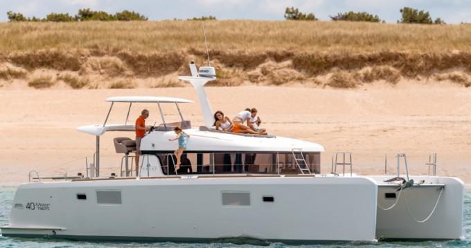 Location Catamaran à Marina di Portisco - Lagoon Lagoon 40 Motor Yacht