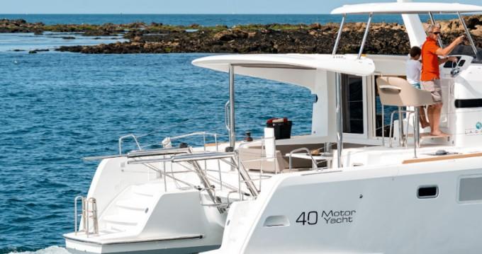 Lagoon Lagoon 40 Motor Yacht entre particuliers et professionnel à Marina di Portisco