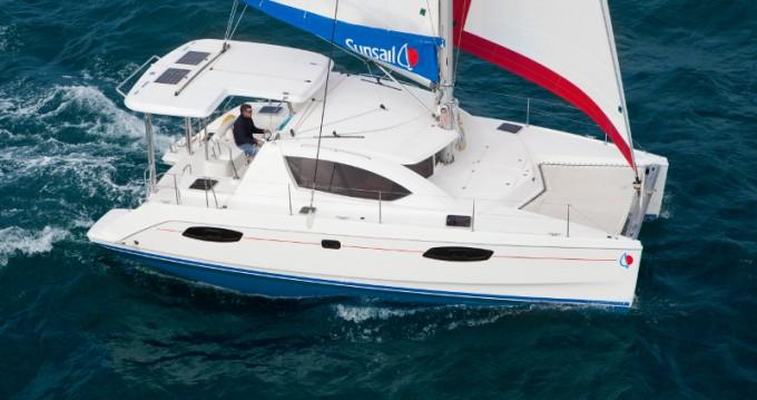 Location bateau Le Marin pas cher Sunsail 404
