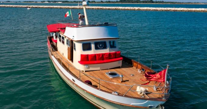 Motoryacht entre particuliers et professionnel à Venezia