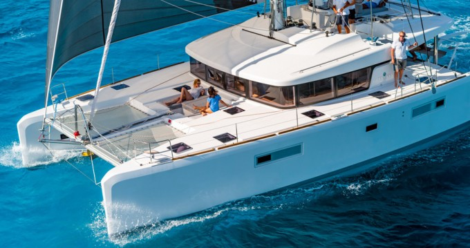 Location bateau Álimos pas cher Lagoon 52 F