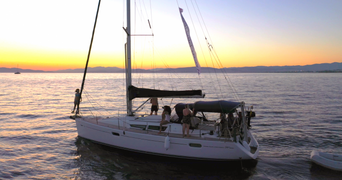 Location yacht à Álimos - Jeanneau Sun Odyssey 39i sur SamBoat