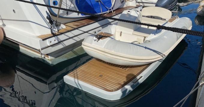 Louer Bateau à moteur avec ou sans skipper Prestige Yachts à Zadar