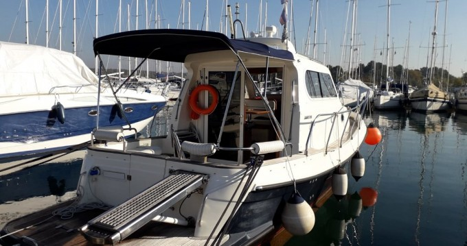 Louer Bateau à moteur avec ou sans skipper Damor à Pirovac
