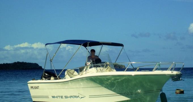 Louer Bateau à moteur avec ou sans skipper Kelt à Basse-Terre