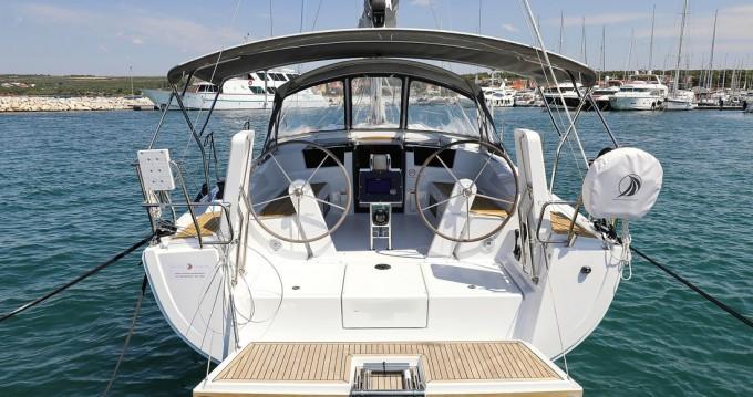 Location bateau Donji Seget pas cher Hanse 388