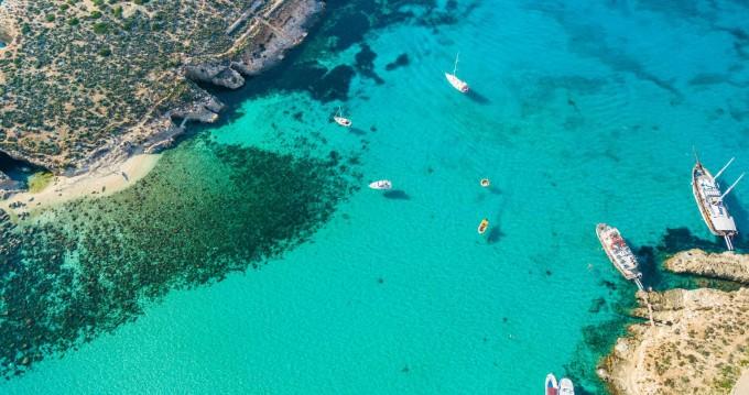 Louer Bateau à moteur avec ou sans skipper Blue Lagoon Open Boat à Mellieħa