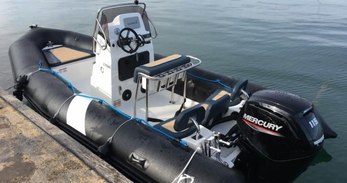 Location bateau Zodiac Pro Open 550 à Lorient sur Samboat