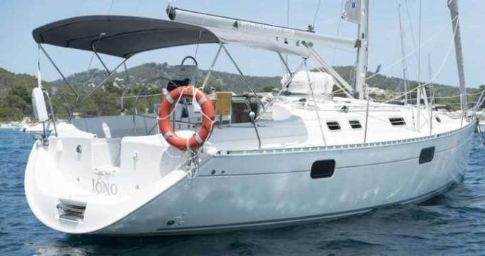 Location bateau Villeneuve-Loubet pas cher Oceanis 351