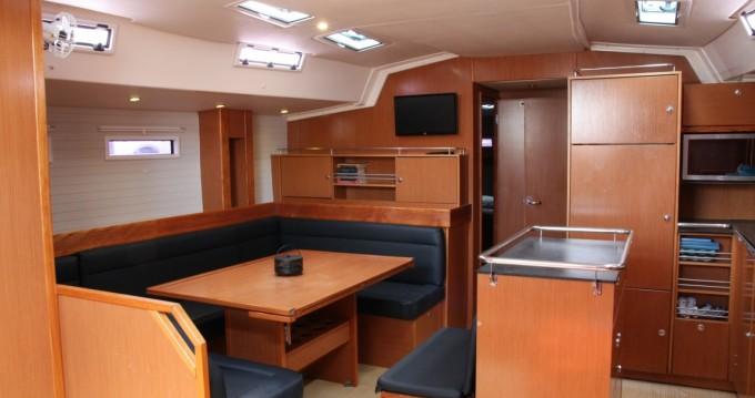 Louez un Bavaria Bavaria Cruiser 55 - 5 cab. à Îles Ioniennes
