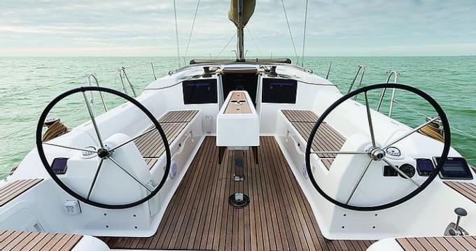 Location yacht à Port Grimaud - Dufour Dufour 382 sur SamBoat