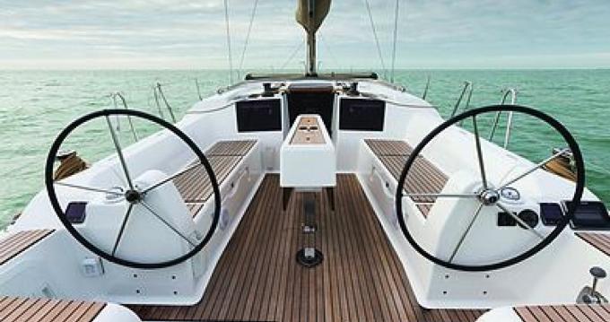 Jeanneau Sun Odyssey 349 entre particuliers et professionnel à Port Grimaud