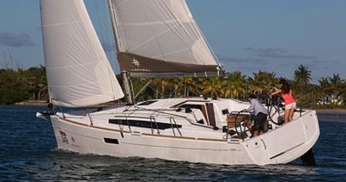 Louer Voilier avec ou sans skipper Jeanneau à Port Grimaud