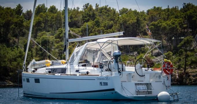 Louez un Bénéteau Beneteau Oceanis 35.1 à Split
