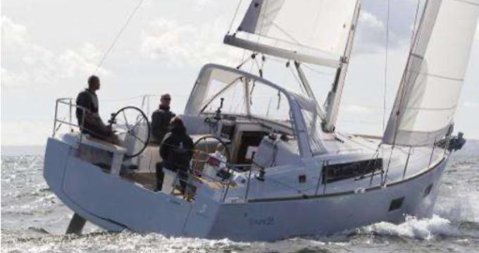 Location bateau Golfe-Juan pas cher Océanis 38.1