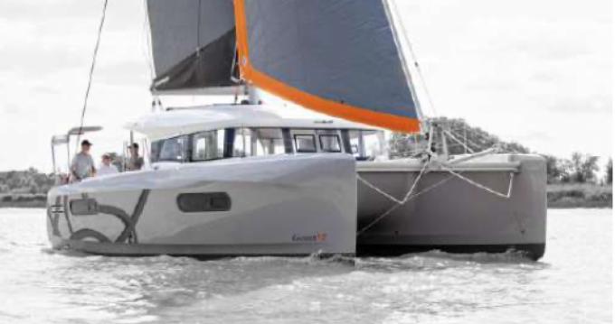 Location bateau Toulon pas cher Excess 12