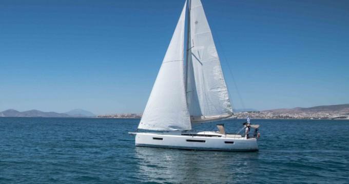 Location bateau Jeanneau Sun Odyssey 440 à Lávrio sur Samboat