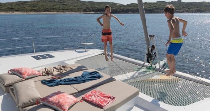 Fountaine Pajot Saona 47 entre particuliers et professionnel à Ibiza (Ville)