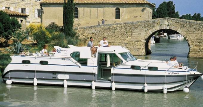 Location bateau  Confort 1350 B à Brienon-sur-Armançon sur Samboat