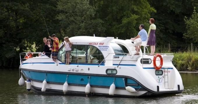 Louer Bateau à moteur avec ou sans skipper  à Grez-Neuville