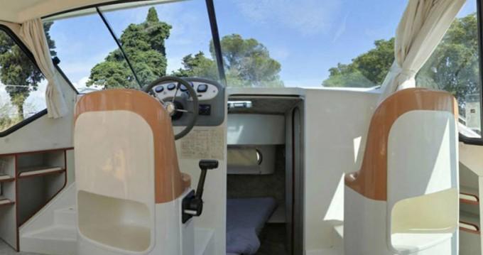 Location Bateau à moteur à Sireuil -  Confort 900 DP
