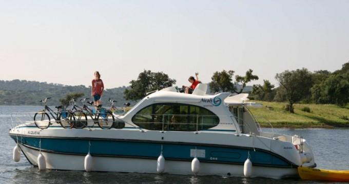 Location bateau Sablé-sur-Sarthe pas cher Estivale Quattro B