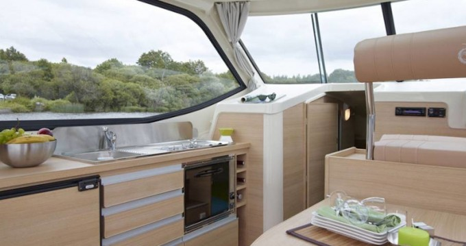 Location bateau Glénac pas cher Sedan Primo