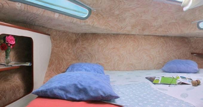 Louez un  Sedan 1170 à Grez-Neuville