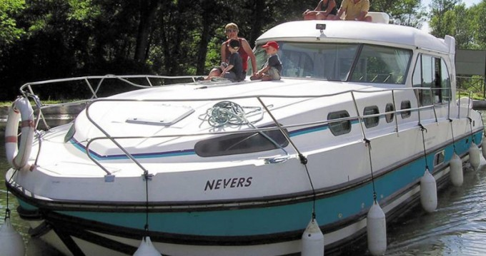 Louer Bateau à moteur avec ou sans skipper  à Port-sur-Saône