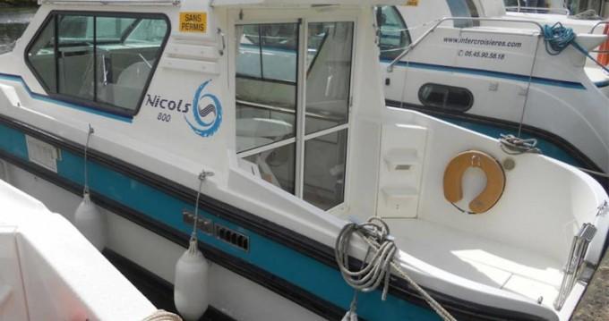Location bateau  Sedan 800 à Sireuil sur Samboat