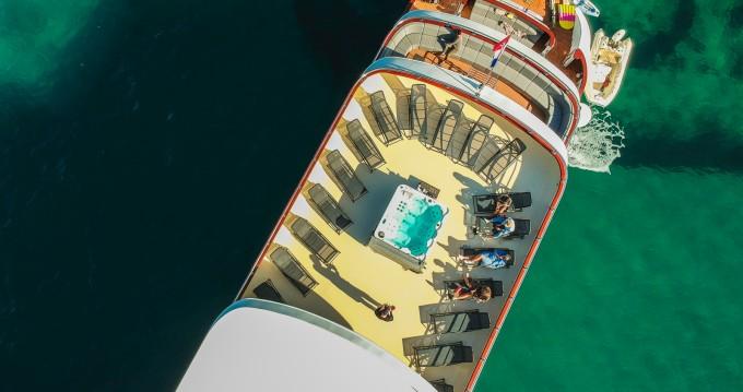 Location bateau Split pas cher Deluxe Superior Motor Yacht