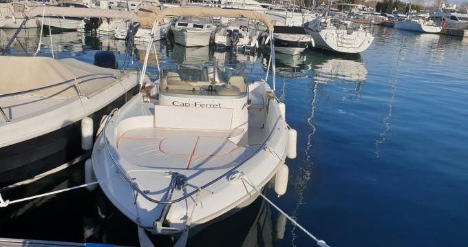 Location bateau B2 Marine Cap Ferret 650 Open à Antibes sur Samboat